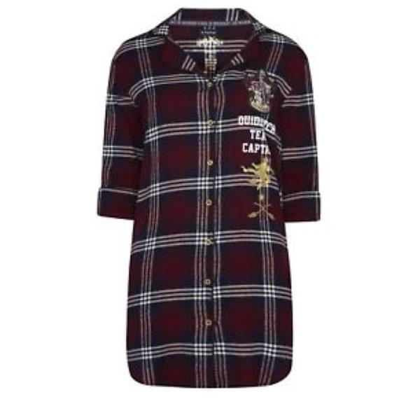 77d0771ee8 NWT Harry Potter Gryffindor Quidditch nightshirt